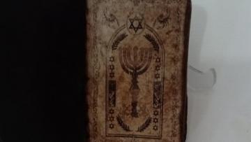 Malatya'da 5 bin yıllık İbranice el yazması kitap ele geçirildi